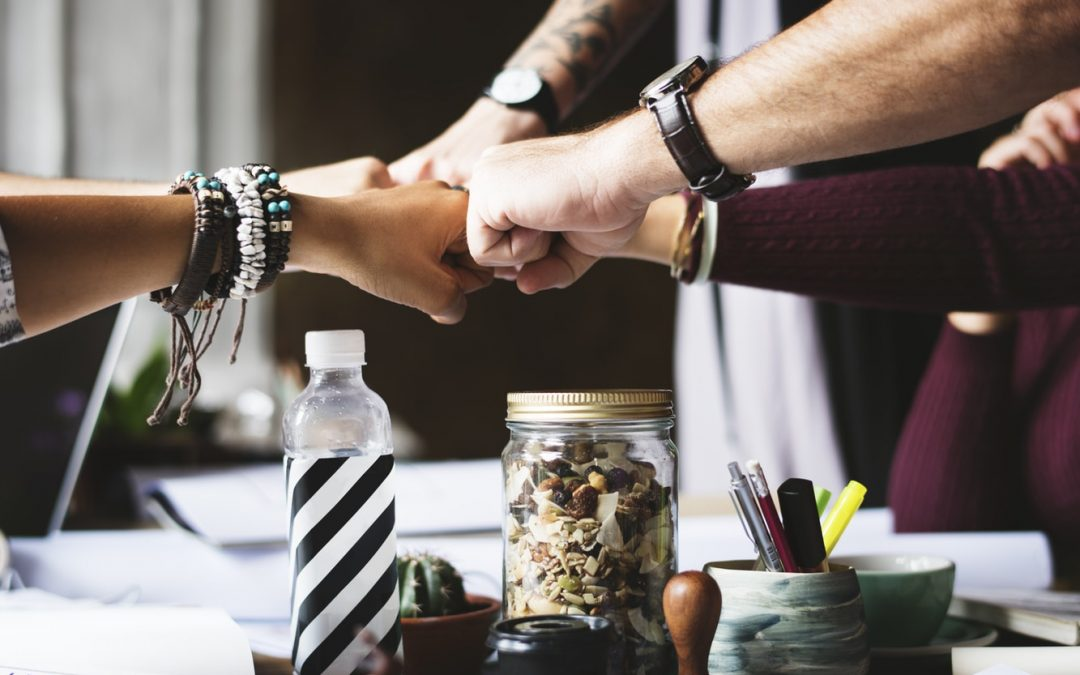 Writers Network – 6 Benefits of Connecting With Successful Authors